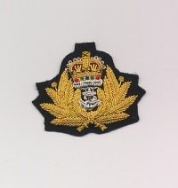 ROYAL NAVY: OFFICERS BERET BADGE: QUEEN'S CROWN