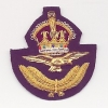 ROYAL AIR FORCE : OFFICERS CAP BADGE: KING'S CROWN