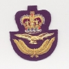 ROYAL AIR FORCE : OFFICERS CAP BADGE: QUEEN'S CROWN